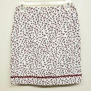 Like New! White Skirt w/ Rosebud Print